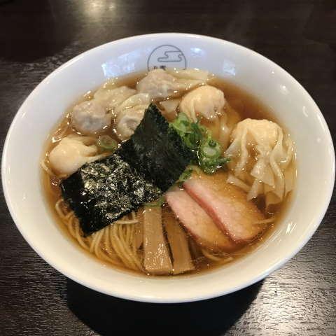 八雲特製ワンタン麺黒だし