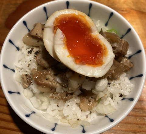 麺処篠はら味玉肉あぶら飯
