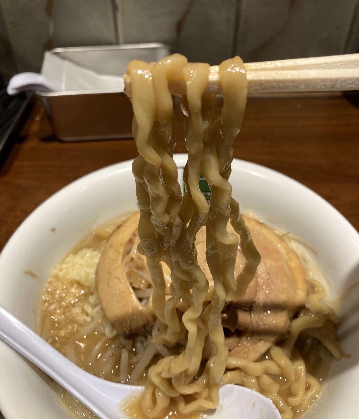 雷東京本丸店麺上げ