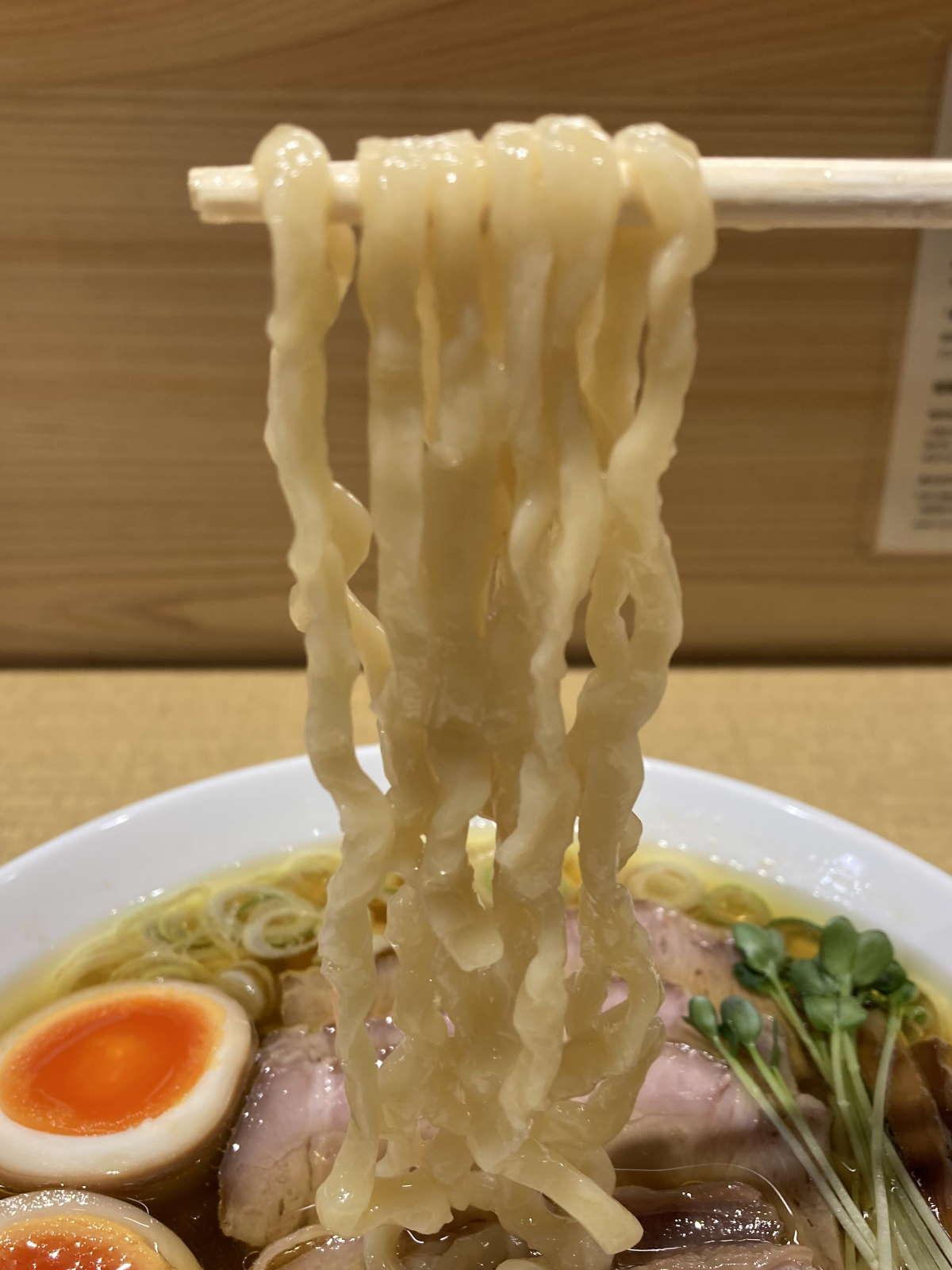 手打親鶏中華そば綾川麺上げ