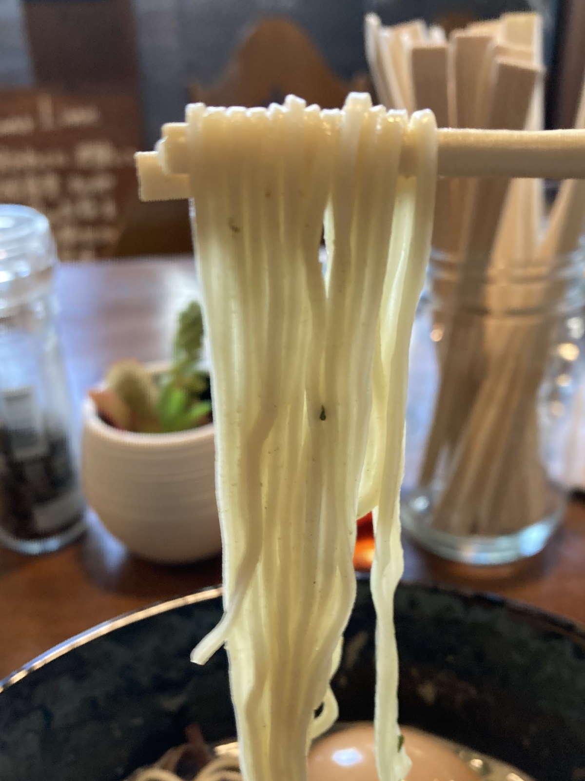 RAMEN_SHELTER麺上げ