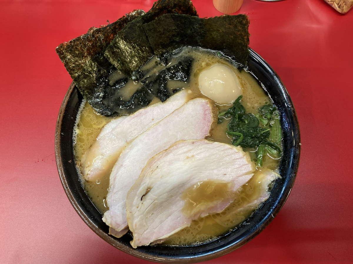 王道家直系_IEKEI_TOKYOチャーシューメン5枚中盛味玉